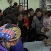 Lấy máu xét nghiệm sán lợn cho gần 1.000 trẻ ngay tại Bắc Ninh