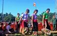 Du khách đón Tết cổ truyền Việt Nam với người dân vùng cao Nghệ An