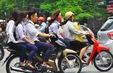 Tái diễn tình trạng học sinh chưa đủ tuổi sử dụng xe máy đến trường