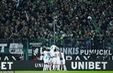 Monchengladbach 2-1 Bayern Munich: Thắng nghẹt thở, giữ ngôi đầu