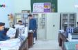 Huế: Nam giới mặc áo dài nam đến công sở