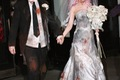 https://vtv1.mediacdn.vn/thumb_w/630/2014/christina-aguilera-jordan-bratman-zombie-bride-groom-1414653093332.jpg