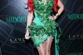 https://vtv1.mediacdn.vn/thumb_w/630/2014/kim-kardashian-dressed-poison-ivy-midori-green-1414653093356.jpg