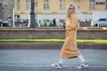 https://vtv1.mediacdn.vn/thumb_w/630/2015/01-russia-street-style-1445849270233.jpg