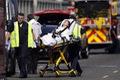 https://vtv1.mediacdn.vn/thumb_w/630/2015/2cb9cf0100000578-3248028-a-victim-from-a-fatal-crash-involving-the-amphibious-tour-bus-an-a-10-1443128828783-1443154023114.jpg