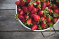 https://vtv1.mediacdn.vn/thumb_w/630/2015/8-strawberries-istockphoto-thinkstock-1447148082858.jpg