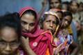 https://vtv1.mediacdn.vn/thumb_w/630/2015/phu-nu-bangladesh-cho-nhan-bua-an-mien-phi-dsru-1436500775151.jpg