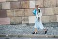 https://vtv1.mediacdn.vn/thumb_w/630/2015/stockholm-street-style-05-1441682050342.jpg