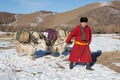 https://vtv1.mediacdn.vn/thumb_w/630/2015/travelling-in-mongolian-wilderness-away-from-the-city-stress-and-tech-driven-style-11-880-1448439990733.jpg