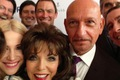 https://vtv1.mediacdn.vn/thumb_w/630/Uploaded/vananh/2014_04_06/joan-collins-selfi_2849987k.jpg