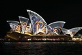 https://vtv1.mediacdn.vn/thumb_w/630/Uploaded/vananh/2014_05_28/140526103341-vivid-sydney-2014-squiggles-horizontal-large-gallery.jpg