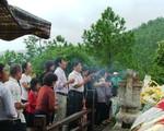 Hàng vạn người đội mưa viếng mộ Đại tướng nhân dịp Tết Độc lập