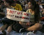 Người biểu tình yêu cầu Trưởng Đặc khu hành chính Hong Kong từ chức