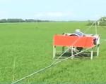 Máy phun thuốc trừ sâu điều khiển từ xa