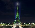 Tháp Eiffel biến thành khu rừng ảo khổng lồ