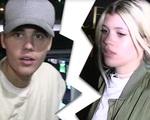 Justin Bieber đã trở lại đời độc thân!