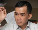 Ca sĩ Minh Thuận bật khóc khi gặp bố và em trai