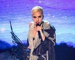Hậu bán kết The X-Factor, Lady Gaga bị nghi đụng 'dao kéo'