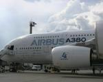 Máy bay chạy điện lớn nhất thế giới lần đầu tiên cất cánh - ảnh 1