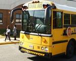 Công nghệ và quy định giúp ngăn bỏ quên học sinh trên xe ở các nước trên thế giới - ảnh 1