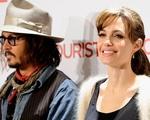Angelina Jolie chặn số điện thoại của Brad Pitt, nhận sự an ủi từ Johnny Depp