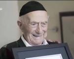 Cụ ông Israel lập kỷ lục người đàn ông cao tuổi nhất thế giới