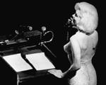 Đấu giá váy Marilyn Monroe diện trong sinh nhật Tổng thống Mỹ