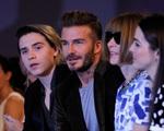 Victoria Beckham xúc động với lời nhắn của các con