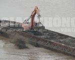 Chủ tịch UBND TP Hà Nội yêu cầu điều tra tàu nghi xả thải xuống sông Hồng
