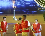 Ngọn đuốc ABG 5 rực sáng trên bãi biển Đà Nẵng