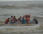 Quảng Bình: Tìm thấy 4 thuyền viên bị cuốn trôi