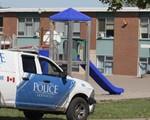 Hàng loạt trường học ở Canada phải sơ tán vì bị đe dọa tấn công