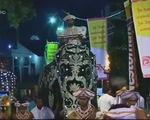 Độc đáo lễ hội diễu hành voi cầu bình an