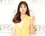 Trang phục xấu cũng không thể 'dìm hàng' nhan sắc Song Hye Kyo