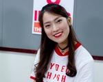 Hot girl nói 7 thứ tiếng Khánh Vy - Từ khách mời tới MC của 8 IELTS
