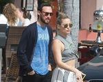 'Người tình tin đồn' của Brad Pitt đã có bạn trai mới