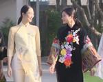 Trình diễn áo dài lụa và thổ cẩm tại APEC