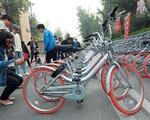 Trung Quốc: Bùng nổ dịch vụ thuê xe đạp qua ứng dụng điện thoại