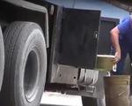 Cận cảnh thủ đoạn trộm cắp dầu máy bay ở TP.HCM