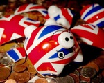 50 số người trưởng thành tại Anh có nguy cơ gặp rắc rối tài chính