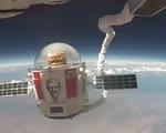Rao giá 1 triệu USD cho chai rượu vang Petrus 2000 được ủ trên không gian - ảnh 2