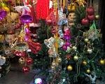 Sôi động thị trường quà tặng, đồ trang trí Giáng sinh