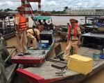 Gian nan đấu tranh có hiện trạng tận diệt hải sản bằng kích điện