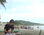 Cặp lá yêu thương: Góc học tập bên bờ biển