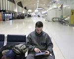 Lợi nhuận ngành hàng không sẽ giảm bởi lệnh cấm mang laptop lên máy bay