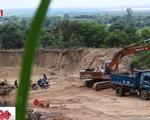 """Đại công trường khai thác cát lậu """"xẻ thịt"""" hàng chục ha rừng núi ở Bình Thuận"""