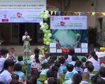 Lãnh sự quán Nam Phi tặng quà cho Trung tâm Bảo trợ xã hội trẻ em thiệt thòi