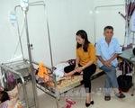 50 học sinh Nghệ An bị ngộ độc do ăn quả ngô đồng