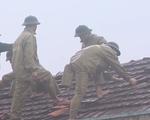 Mưa lũ, lốc xoáy làm 40 nhà tốc mái tại Quảng Ngãi