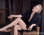 Nicole  Kidman khoe chân dài miên man